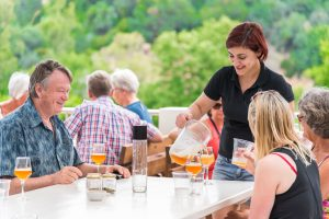Μπύρα Κρήτης Χάρµα: Μόνο εδώ θα βρεις αυθεντική χανιώτικη μπύρα!