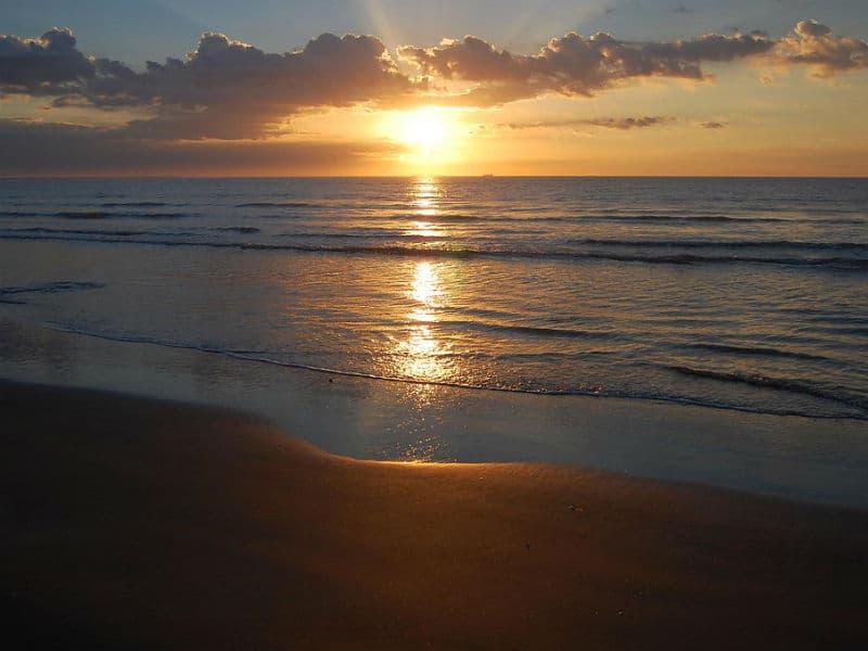 Αυτή είναι η μεγαλύτερη παραλία του κόσμου!