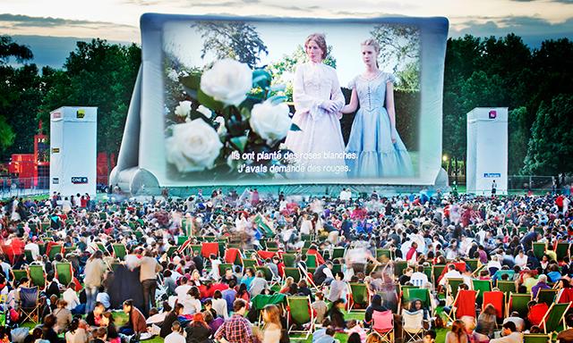 Από το Λονδίνο μέχρι την Ίμπιζα: Αυτά είναι τα πιο εντυπωσιακά θερινά σινεμά στην Ευρώπη