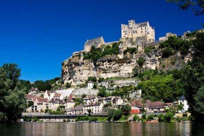 Beynac- Αυτό είναι το πιο όμορφο χωριό της Γαλλίας