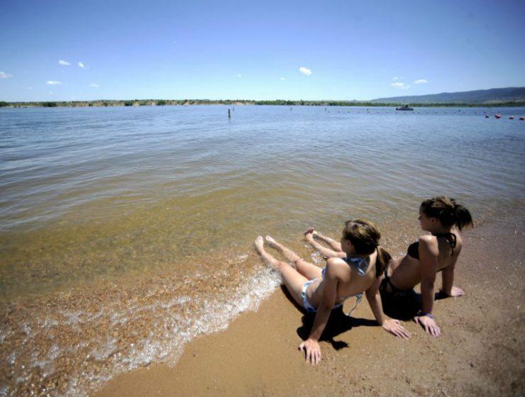 Πώς θα καταλάβουμε αν η θάλασσα που κολυμπάμε είναι καθαρή;