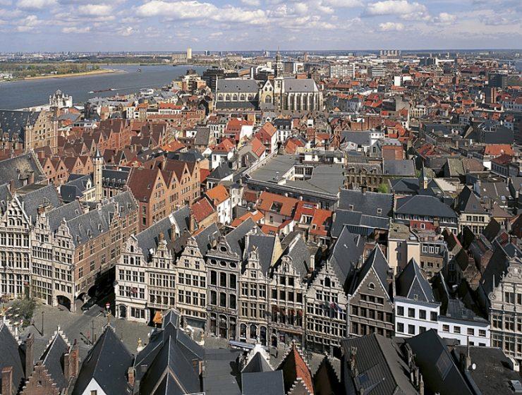 Η Αμβέρσα με τα Μεσαιωνικά της κτίρια και την καλλιτεχνική της «αίγλη»