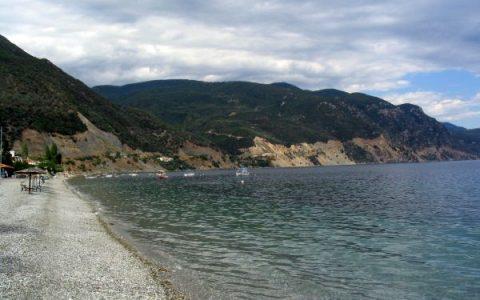Η παραλία με τα ζεστά νερά, για βουτιές μέχρι τις αρχές Δεκέμβρη