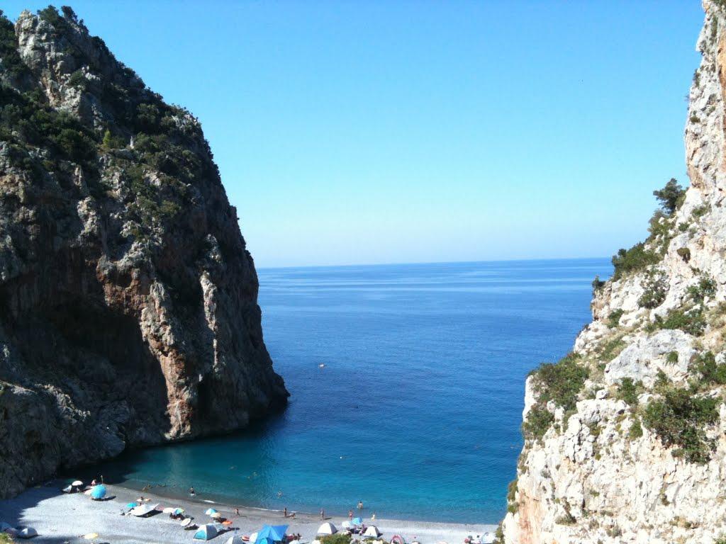 Η πιο όμορφη παραλία της Εύβοιας που ΕΛΑΧΙΣΤΟΙ γνωρίζουν