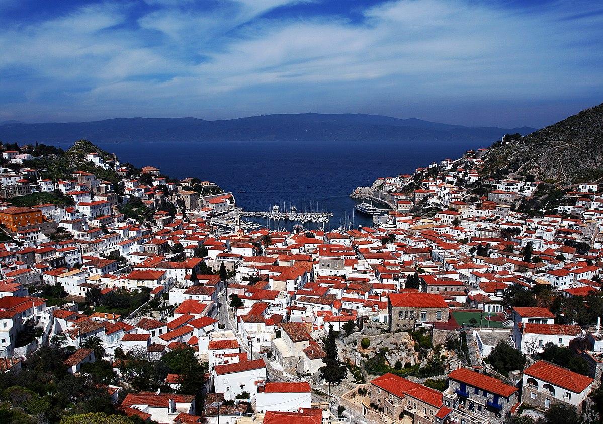 «Το παιδί και το Δελφίνι»: Τα ελληνικά μας νησιά που πρωταγωνίστησαν σε επιτυχημένες ταινίες του εξωτερικού