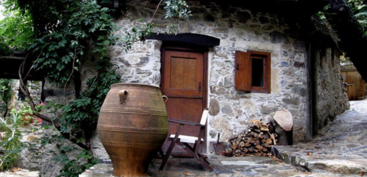 Το χωριό της Κρήτης που ζει χωρίς τις σύγχρονες ανέσεις είναι στα ομορφότερα του πλανήτη