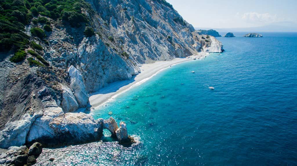«Αυτά είναι τα 21 κορυφαία Ελληνικά νησιά», μας αποθεώνει περιοδικό της Βρετανίας