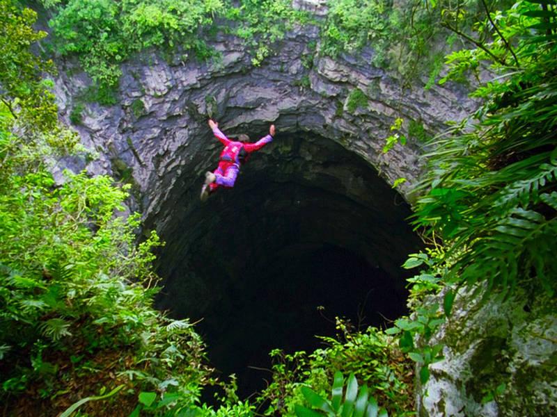 Τα 10 πιο εντυπωσιακά σπήλαια του κόσμου