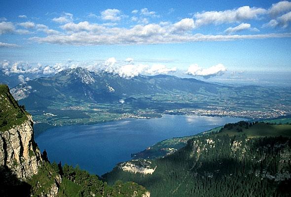 Αυτές είναι οι 7 πιο όμορφες λίμνες της Ελβετίας (Μαγικές photo)