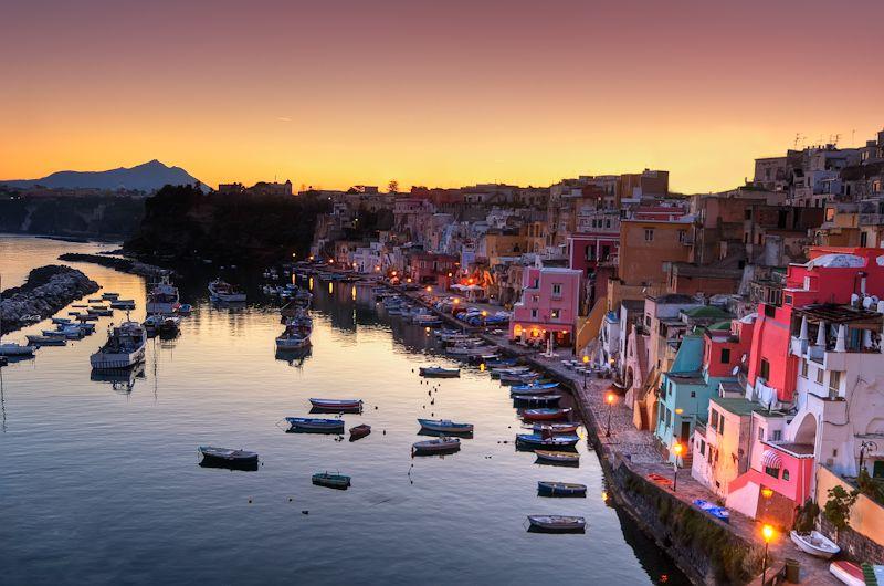 CORRICELLA: Εικόνα- καρτ-ποστάλ- Το μαγικό χωριουδάκι της Ιταλίας
