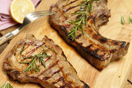 Δυο καταπληκτικές συνταγές για να φτιάξετε το τέλειο πιάτο με την αγαπημένη σας μπριζόλα!