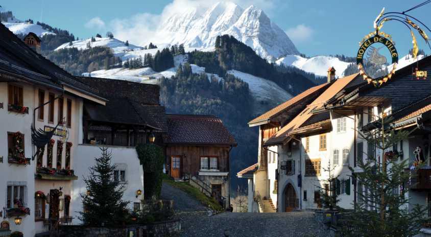 Gruyeres- To Μεσαιωνικό χωριό που θα λατρέψετε!