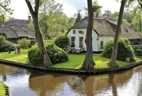 Giethoorn: Το χωριό που η εικόνα του μοιάζει με πίνακα ζωγραφικής