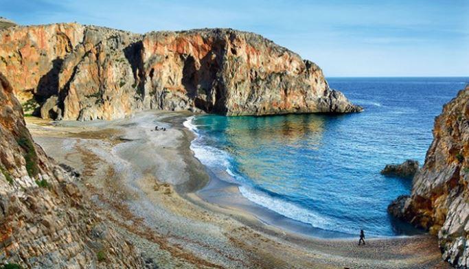 Η υπέροχη Ελληνική παραλία που έχει κάνει ολόκληρο τον πλανήτη να παραμιλάει