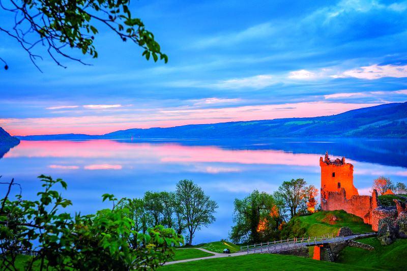 LETS GO- Urquhart Castle, Σκωτία