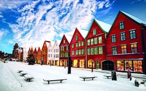 BERGEN: Η πόλη με τα ξύλινα και πολύχρωμα σπίτια