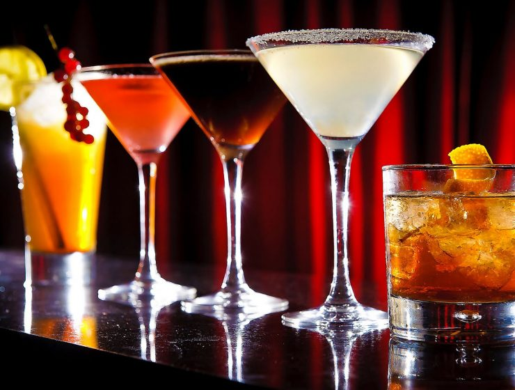 Ποτά από €2,50 στο φθηνότερο bar της πόλης- H πρότασή μας για το Σάββατο