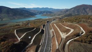 Road trip σε μαγικά σημεία της Ελλάδας- Σας παρουσιάζουμε 4 υπέροχες διαδρομές για ταξίδι με το αυτοκίνητο! Μέσα από δάση, δίπλα σε λίμνες…