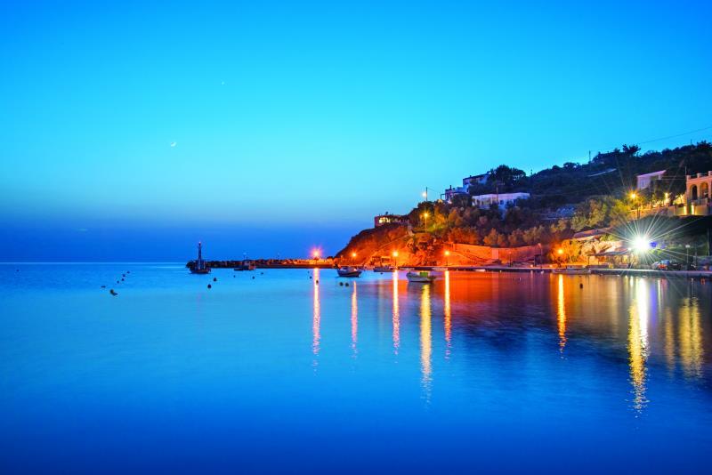Σύρος: Oι 5 παραλίες που θα λατρέψετε!