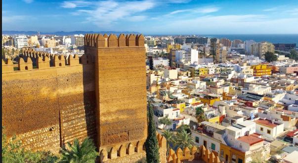Ανακαλύψτε τη Βαρκελώνη του Γκαουντί και το «Χόλιγουντ» της Ισπανίας