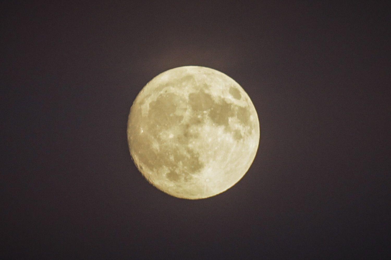 Οι Κινέζοι ετοιμάζουν τεχνητό φεγγάρι