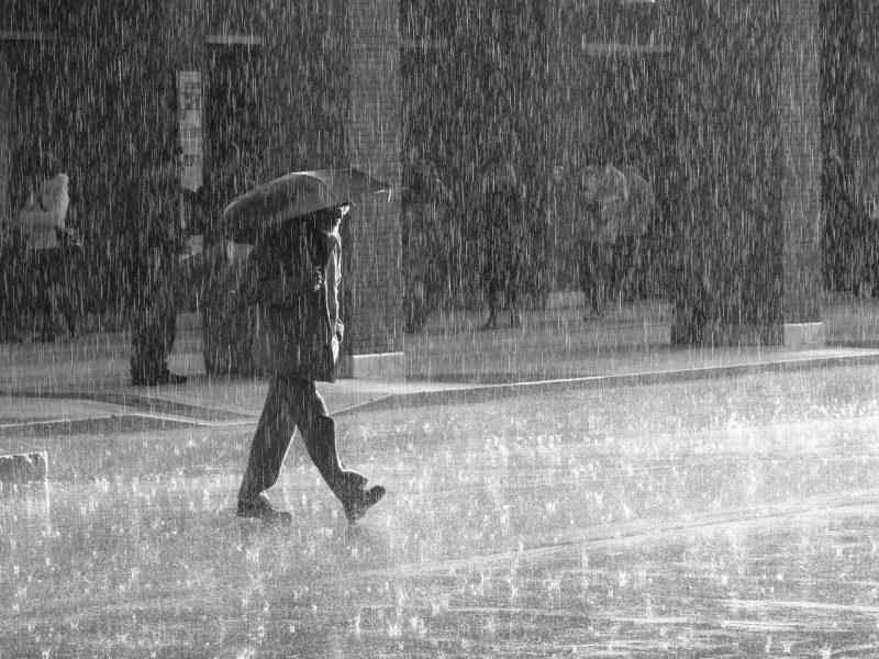 καιρός βροχές και καταιγίδες