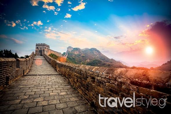 Ο Τάσος Δούσης σας προτείνει τα 24+1 ταξίδια που ΠΡΕΠΕΙ οπωσδήποτε να κάνετε!!(photo)