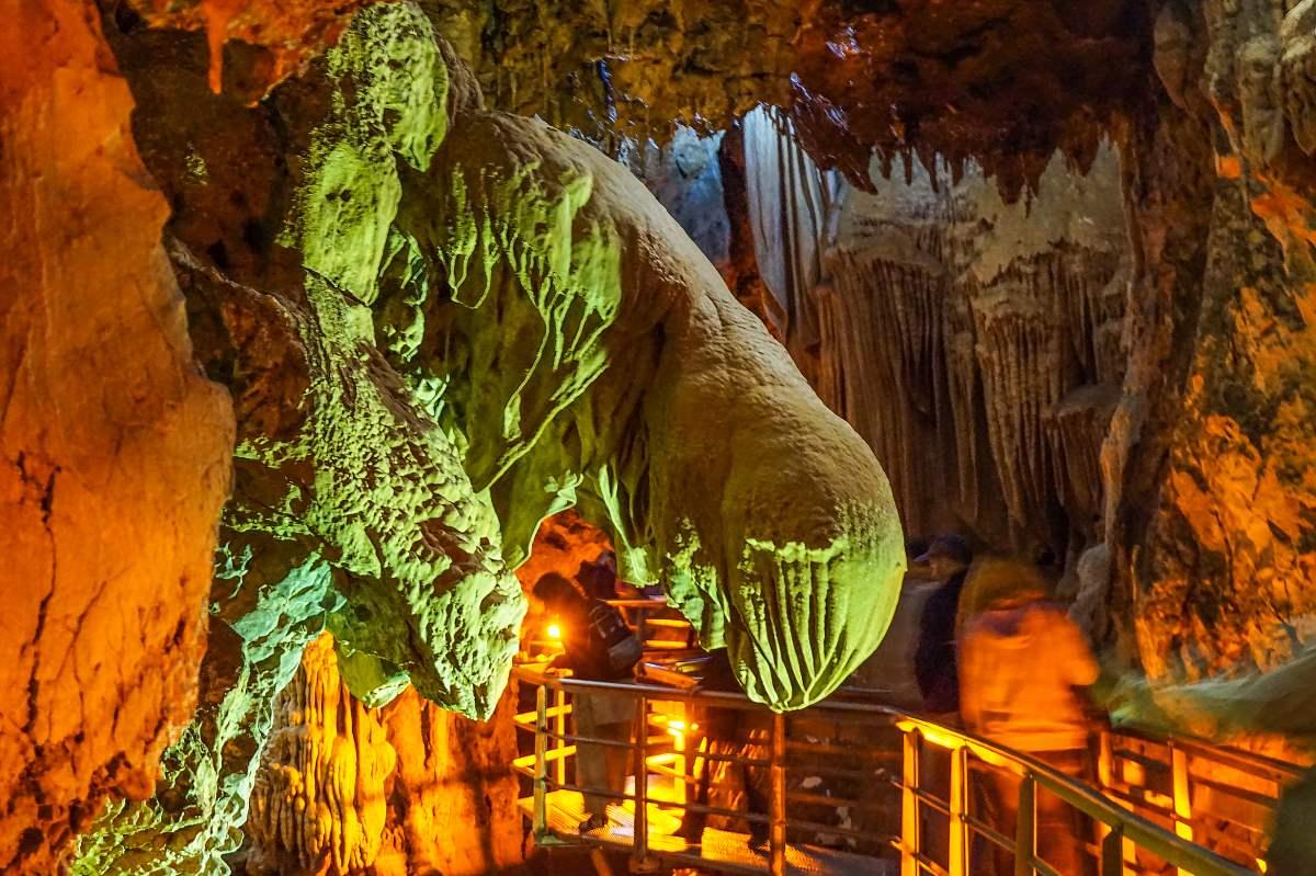 Σπήλαιο Λιμνών Αχαϊα