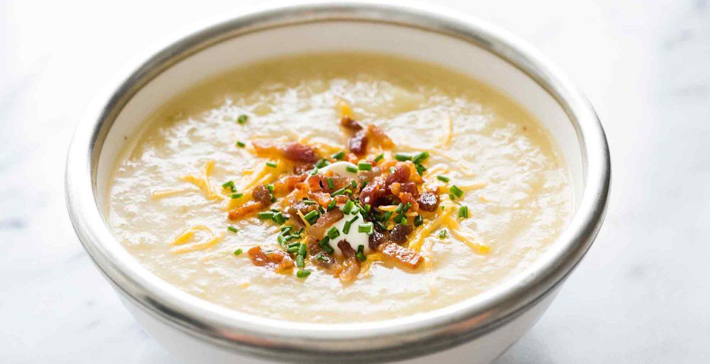 Τι θα λέγατε για μια πατατόσουπα; Μια πεντανόστιμη συνταγή