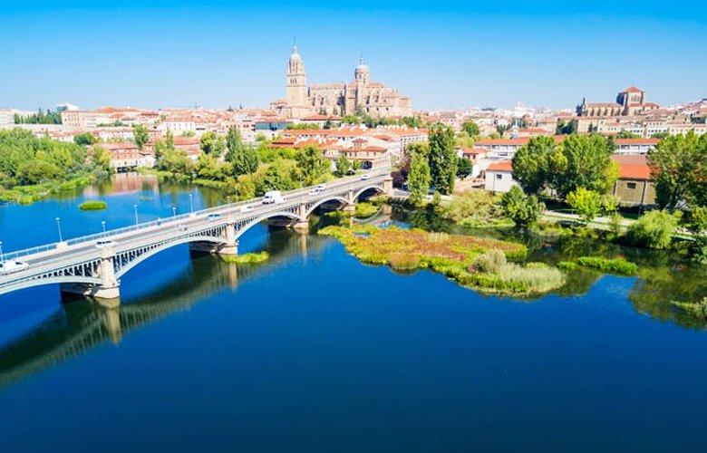 Η πανέμορφη πόλη της Ισπανίας, με τα γραφικά σοκάκια, που θα κλέψει την καρδιά σας