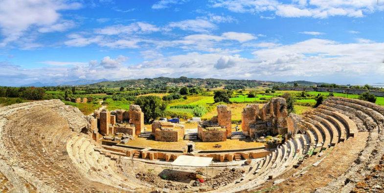 """Τα αρχαία θέατρα της Ηπείρου """"πόλος έλξης"""" για Έλληνες και ξένους τουρίστες"""