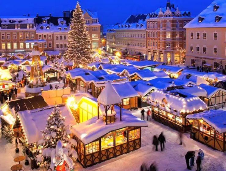 Ταξιδέψτε μαζί μας στις πιο όμορφες χιονισμένες πόλεις του κόσμου! (photos)