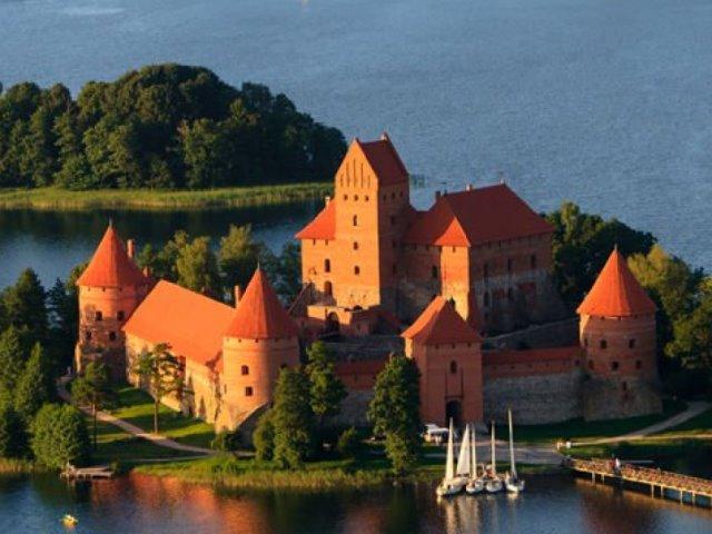 Λιθουανία: Απολαύστε την μεσαιωνική ομορφιά της πριγκίπισσας της Βαλτικής!