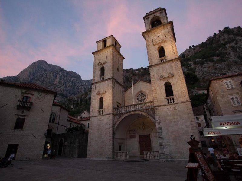 Ταξιδέψτε στις μοναδικές ομορφιές του Μαυροβουνίου
