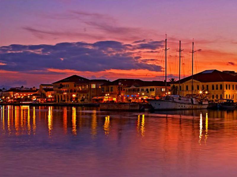 Το σούρουπο στο λιμάνι της Πρέβεζας, μαγευτικό τοπίο