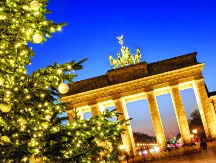 """Ο Νοέμβρης στο Βερολίνο """"φωνάζει"""" Christmas is coming...!"""