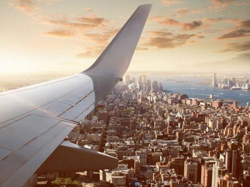 5 tips για αεροπλάνα που ξέρουν πιλότοι, αεροσυνοδοί και... ο Τάσος Δούσης!