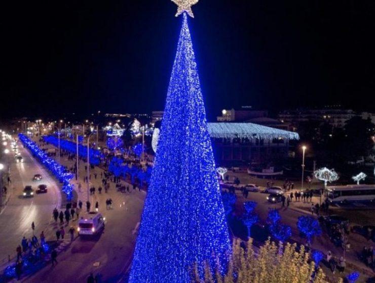 Στον Βόλο φέτος το ψηλότερο χριστουγεννιάτικο δέντρο στην Ελλάδα!