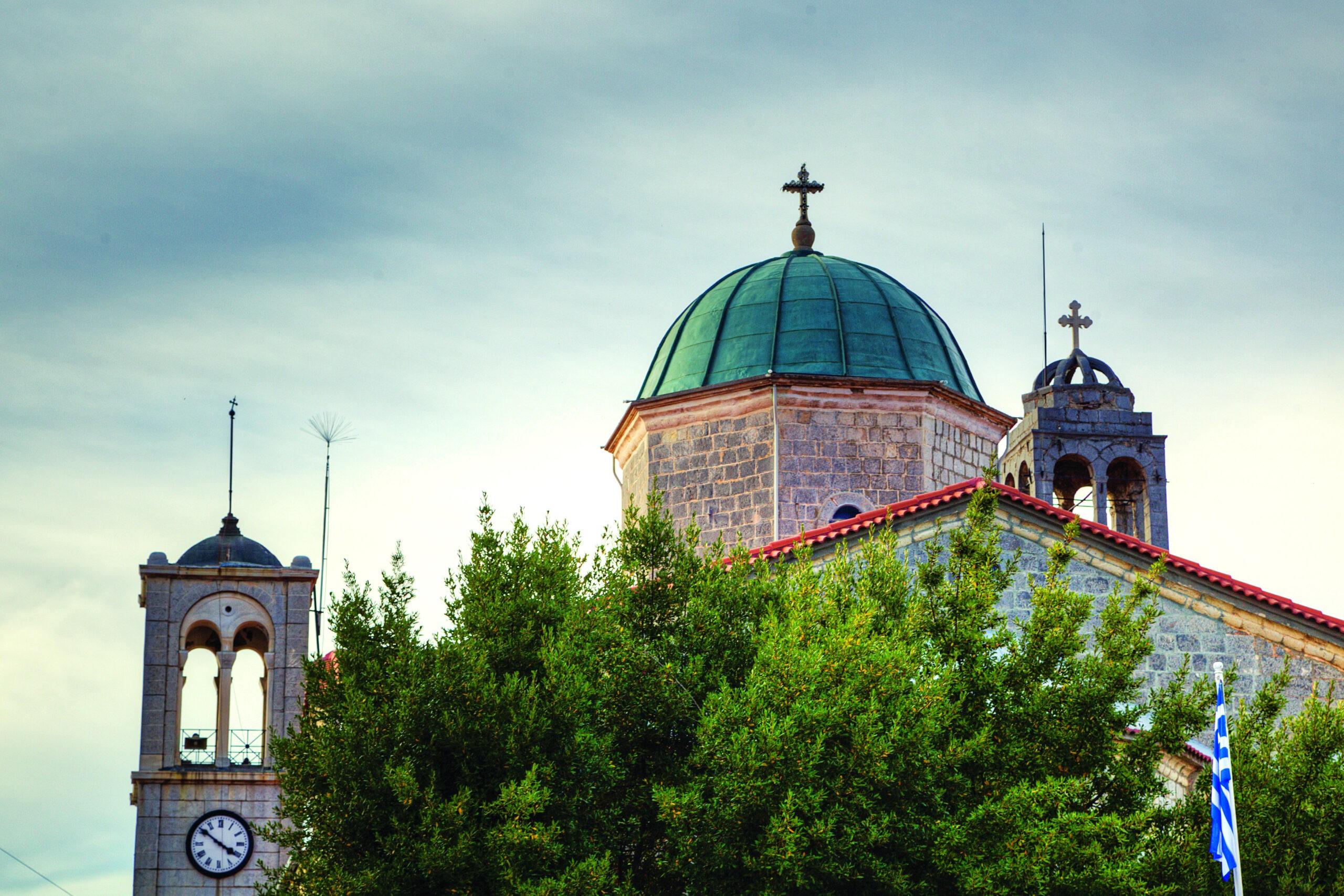 Εκκλησία του Αγίου Τρύφωνα, καμπαναριό Βυτίνα