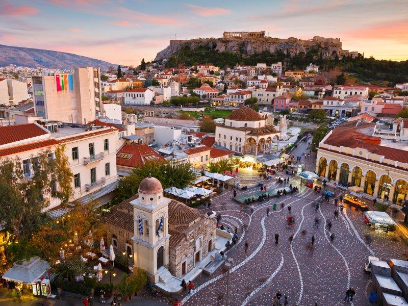 Βρήκαμε τα 9+1 μέρη στην Αθήνα με συγκλονιστική θέα για να πιείτε τον καφέ σας!