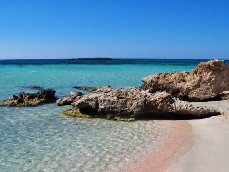 Πρωτιά για την Ελλάδα! Ποια διάσημη παραλία αναδείχθηκε η καλύτερη στον κόσμο