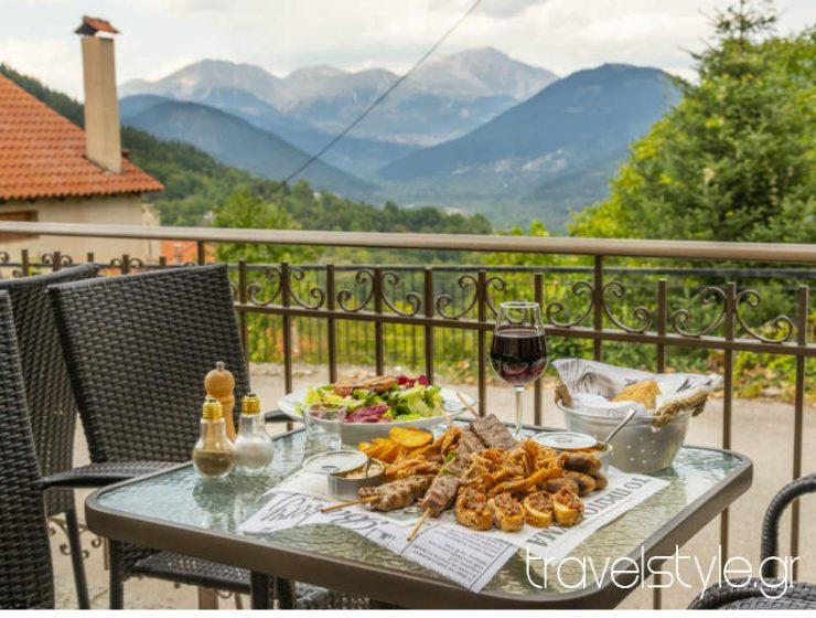Οι καλύτερες στάσεις για φαγητό σε απόσταση αναπνοής από το Καρπενήσι!