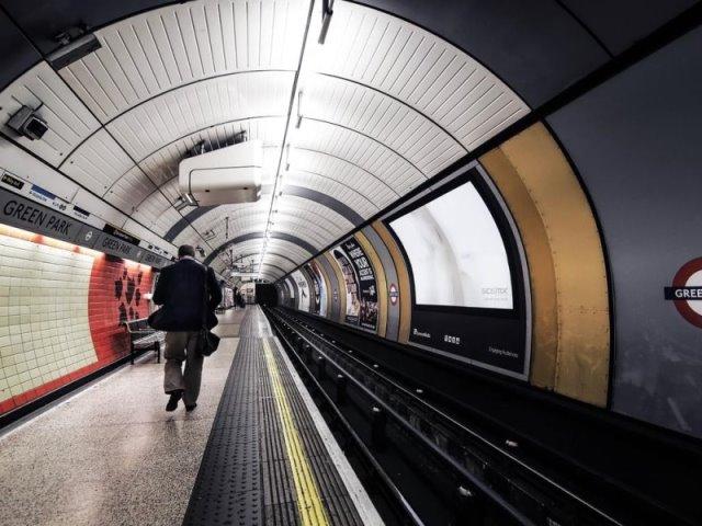 Λονδίνο: Πάρετε μία γεύση από λονδρέζικη ατμόσφαιρα μέσα από αυτές τις φωτογραφίες