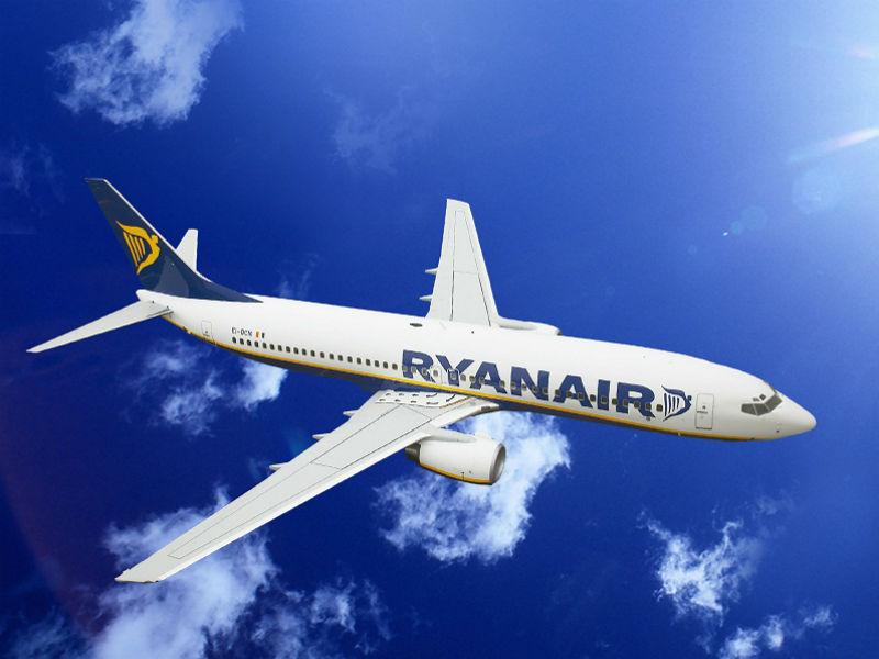 Ryanair: Νέα προσφορά για τη Γιορτή του Πατέρα! Πτήσεις με 19,99€!
