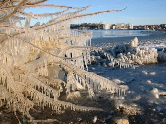 Μπείτε στο χριστουγεννιάτικο κλίμα με αυτά τα πανέμορφα χιονισμένα τοπία! (photos)