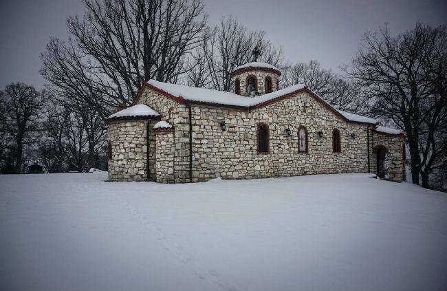 Αυτό είναι το ορεινό πάρκο της Ελλάδας όπου ζαρκάδια κυκλοφορούν ελεύθερα!