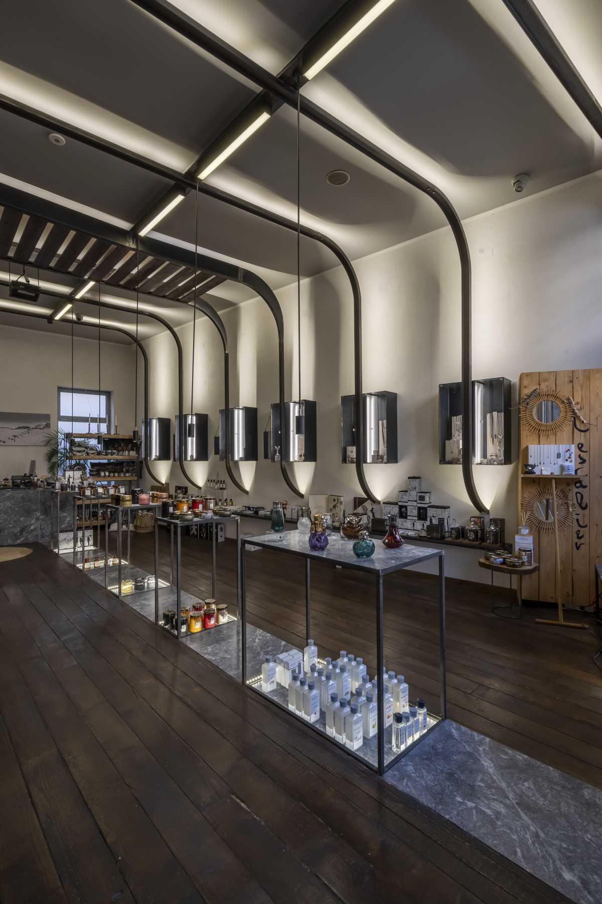 L Escalier concept store