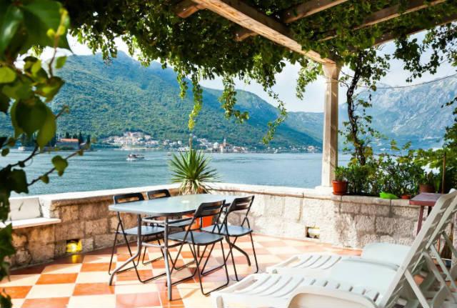 6 φοβερά Airbnb σπίτια για να μείνετε το 2019, και ένα ελληνικό!