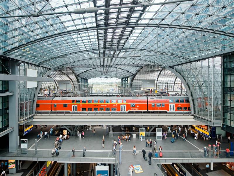 Δείτε τους πιο εντυπωσιακούς σιδηροδρομικούς σταθμούς της Ευρώπης!
