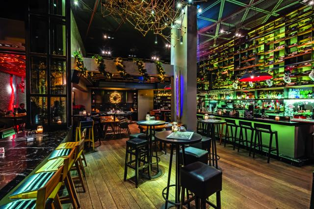 J Cocktail Bar, Κηφισιά